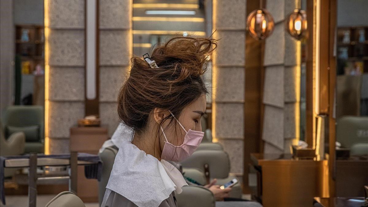 La Xina comptabilitzarà els contagiats asimptomàtics de coronavirus