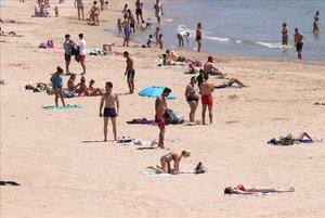 El Govern amplia l'aforament permès a les platges