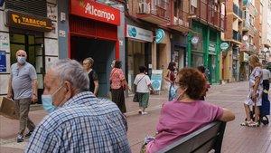 Una calle de Zaragoza, en Aragón, la comunidad donde más preocupan los rebrotes, este lunes.