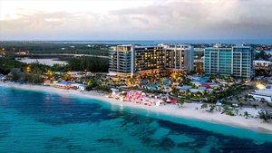 El Ecofin retira a las Islas Caimán y Omán de su lista negra de paraísos fiscales