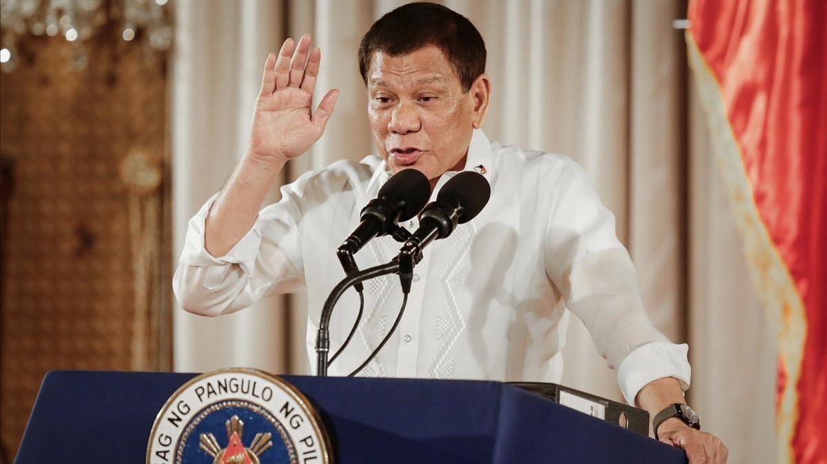 Duterte pronuncia un discurso en el Palacio de Malacanang, en Manila, el 16 de agosto.