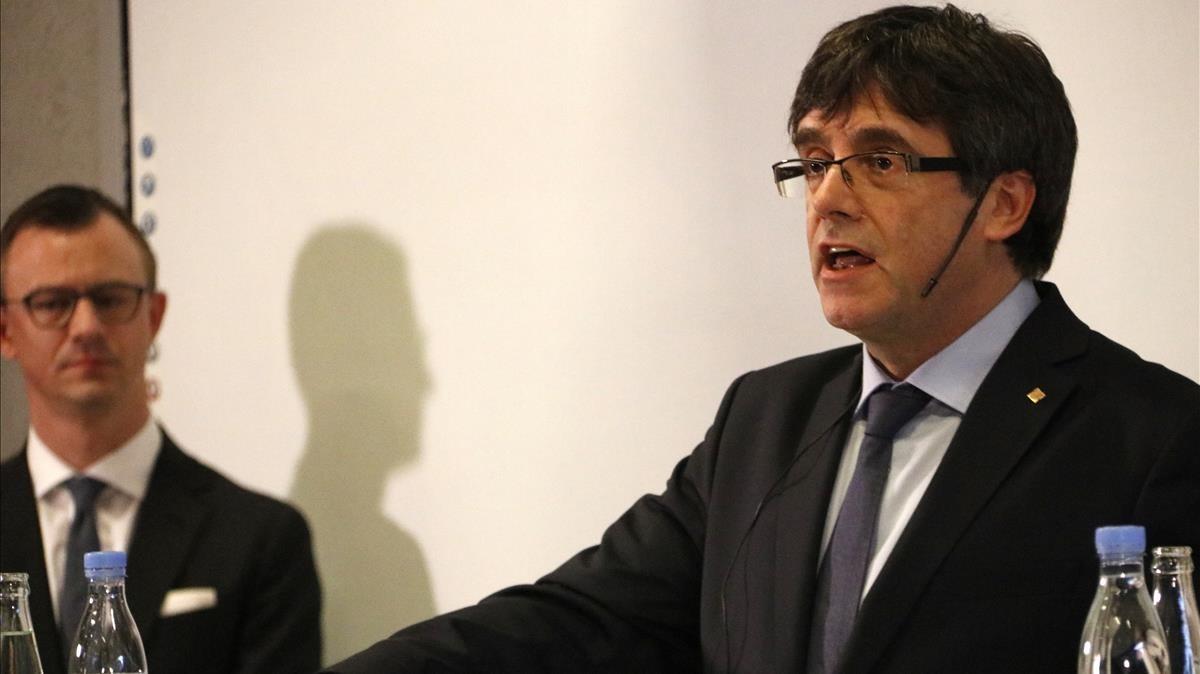 Puigdemont, durante el debate en la Universidad de Copenhague.