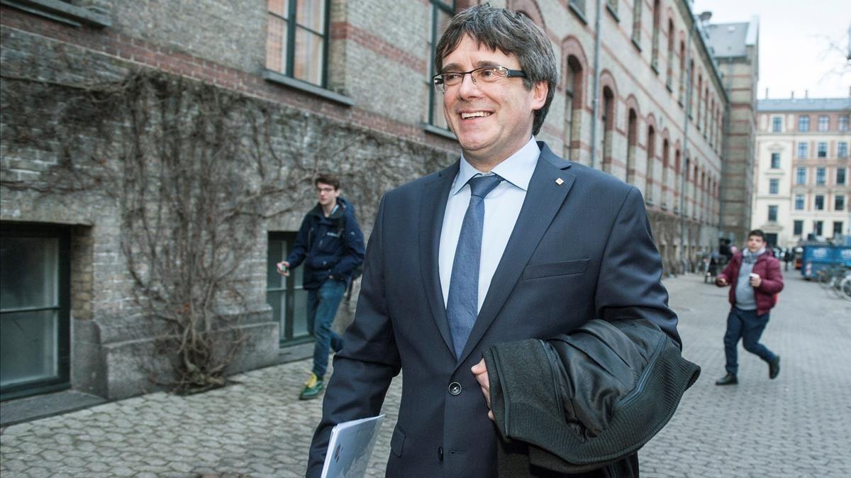 Carles Puigdemont tras la conferencia en la universidad de Copenhague.