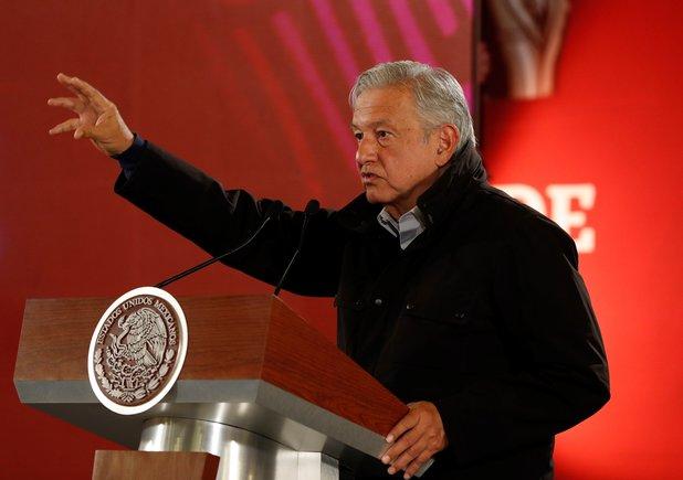 López Obrador: La estrategia contra el robo de gasolina en México no se detiene