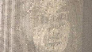 El increíble retrato de un artista hecho con 13.000 dados y mucha paciencia