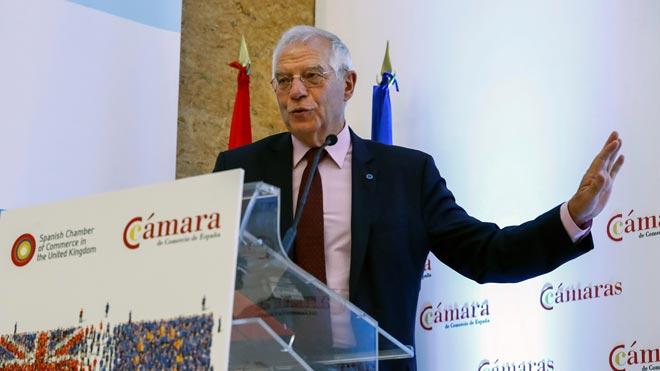 """Borrell insisteix que no dimitirà per Abengoa: """"Estem parlant de 9.000 euros, una part mínima de la meva cartera"""""""