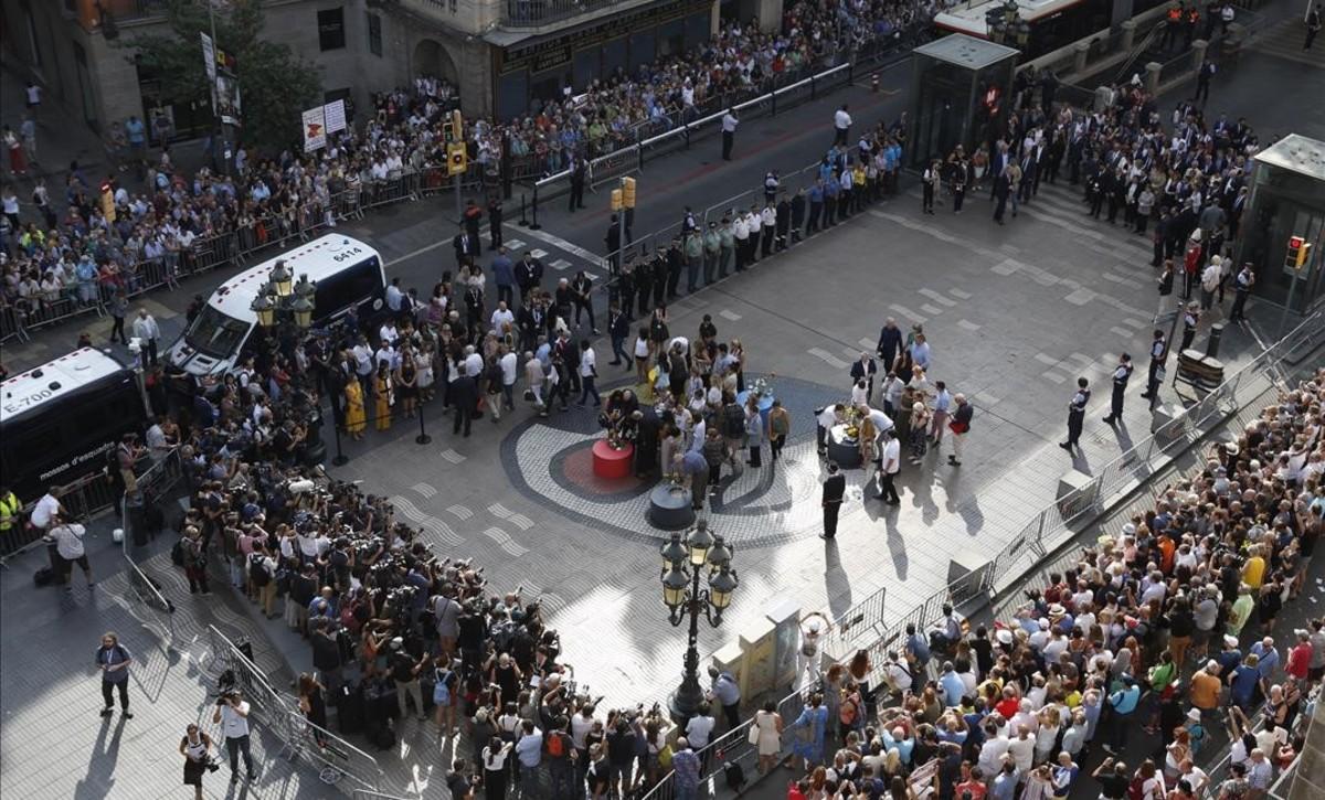 Actos de homenaje a las víctimas del 17A, un año después del atentado.