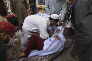 Afectados por la intoxicación de fas en Karachi