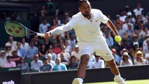 El tenista australiano Nick Kyrgios, en su partido contra Nadal en Wimbledon.