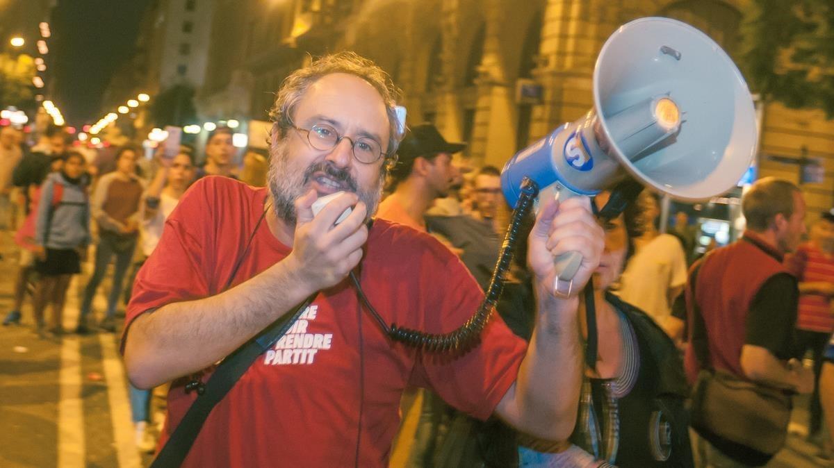 Antonio Baños, el pasado 3 de octubre, durante la huelga general contra las cargas policiales por el 1-O.