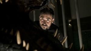 J.A. Bayona, en el rodaje de 'Jurassic World: el reino caído'.