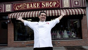Buddy Valastro, ante la pastelería familiar, Carlos City Hall Bake Shop, en Hoboken (New Jersey, EEUU).
