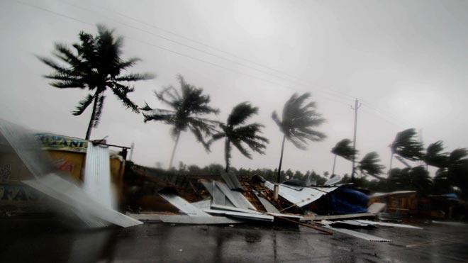 El ciclónFanialcanza la costa este de la India.
