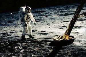 Primer refrigeri a la Lluna: una hòstia