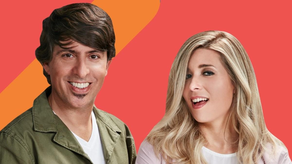 Dani Moreno 'El gallo' y Cristina Boscá, presentadores de 'Anda ya'.