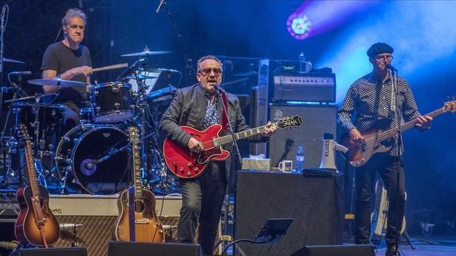 Elvis Costello, en el concierto que ofreció este miércoles en el Festival Jardins de Pedralbes