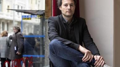 Enric Puig Punyet: «Los 'smartphones' no deberían usarse hasta los 18 años»