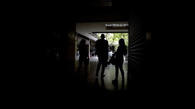 Nuevos cortes de luz dejan a Caracas a oscuras