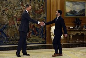 Felipe VI recibe a Alberto Garzón, de IU, en Zarzuela.