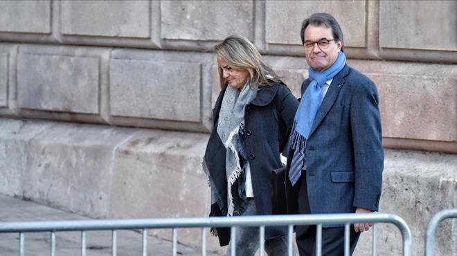 El fiscal mantiene los 10 años de inhabilitación para Artur Mas.