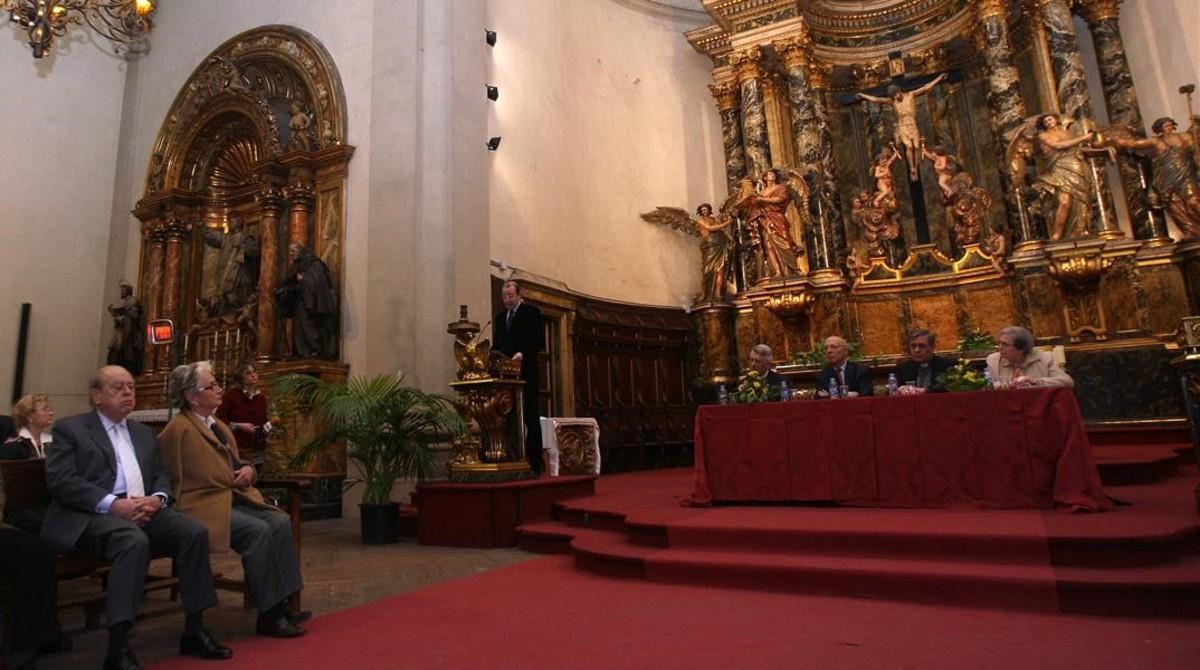 Jordi Pujol y Marta Ferrusola, el 12 de marzo de 2009, en la basílica de Montserrat, en una misa en recuerdo del abad emérito Cassià Maria Just.