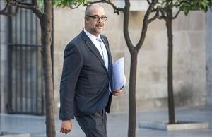 El conseller de Interior, Miquel Buch, en el Palau de la Generalitat.