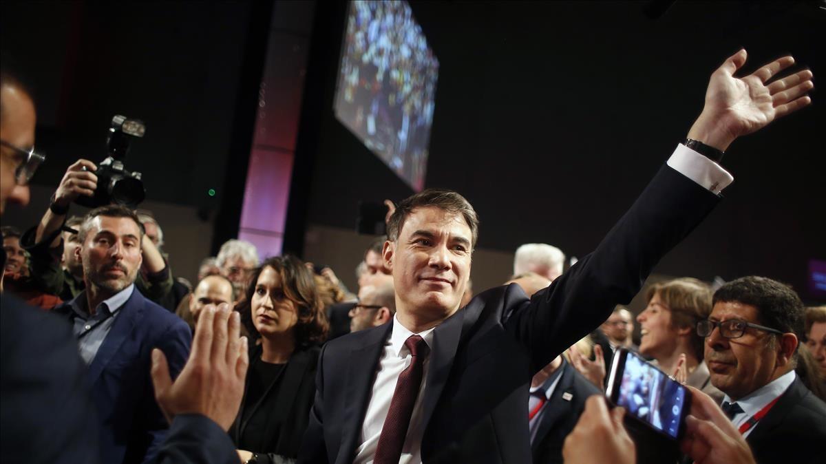 El secretario general de los socialistas franceses, OlivierFaure, en el 78 Congreso del partido en París.