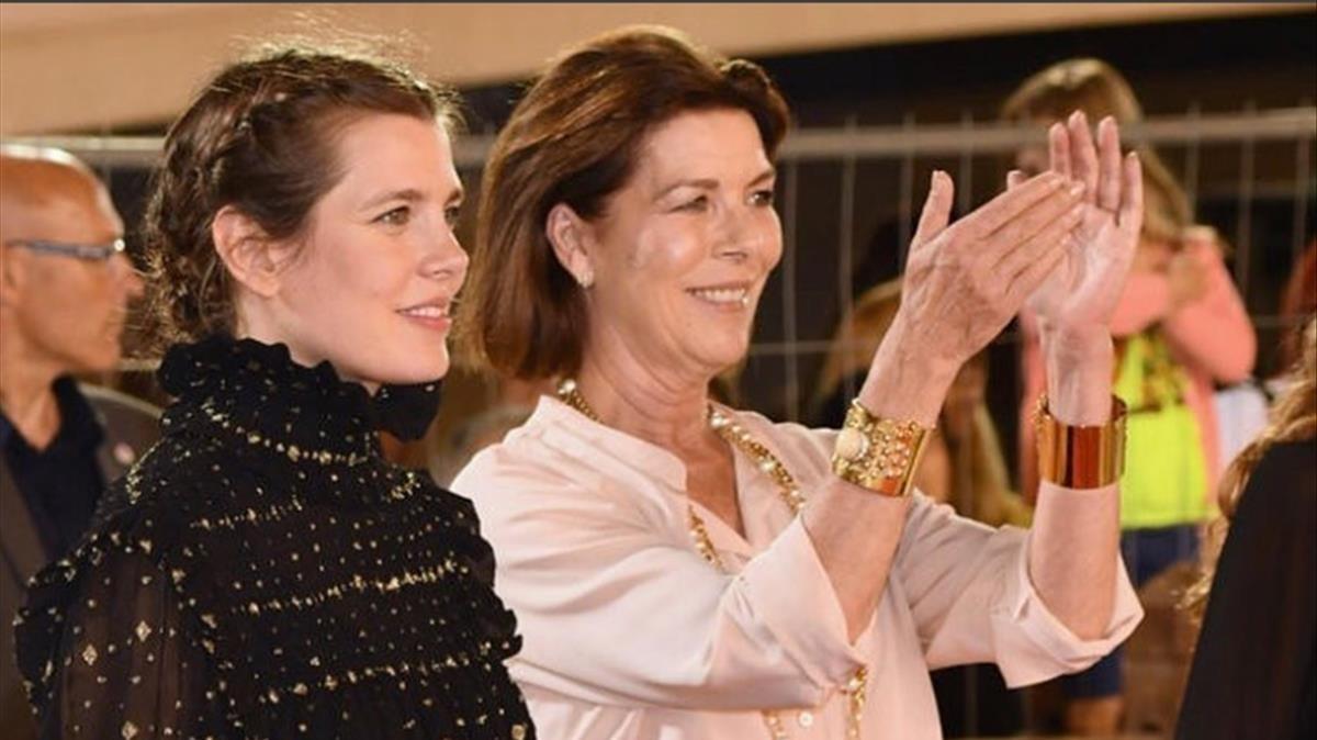 Carlota y su madre Carolina de Mónaco.