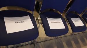 Los asientos de Artur Mas, Carles Puigdemont y Neus Munté en el congreso fundacional de la nueva CDC.