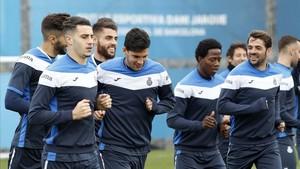 Los jugadores del Espanyol preparan el partido del Villarreal.