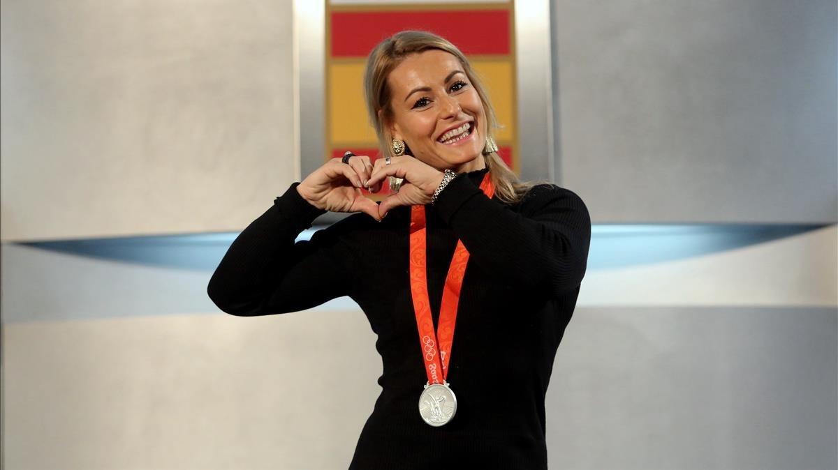 Lydia Valentín, nada más recibir la medalla de plata de los Juegos de Pekín.