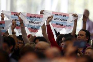 Manifestación por los derechos trans en Medellín, Colombia.