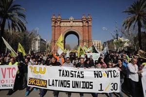 Marcha de taxistas en huelga en el Arc de Triomf, en el 2017, contra las VTC.
