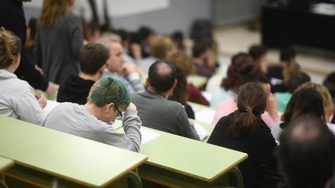 Más de 11.000 aspirantes a 826 puestos de Correos en Catalunya.
