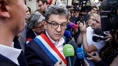 La policía registra la casa de Mélenchon y la sede de su partido
