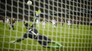 Messi erra un penalti en la vuelta de las semifinales del Barça contra el Chelsea del 2012.