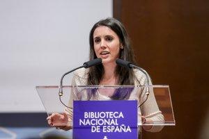 La ministra de Igualdad, Irene Montero, durante su intervención en la presentación de la proyección del documental 'La mujer que soñaba con números' en la Biblioteca Nacional coincidiendo con los actos que celebran el Día Internacional de la Mujer y la Niña en la Ciencia (11 de febrero), en Madrid (España) a 13 de febrero de 2020.