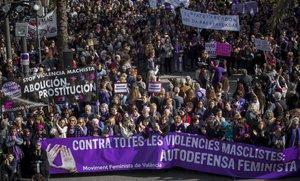 Manifestación con motivo del Día Internacional contra la Violencia hacia las Mujeres, en Valencia.
