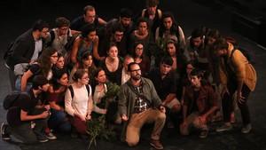 Un momento de la representación de El monstre al laberint, en el Teatre Grec