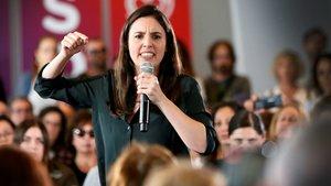 Montero, criticada per donar dades personals d'una desnonadora particular