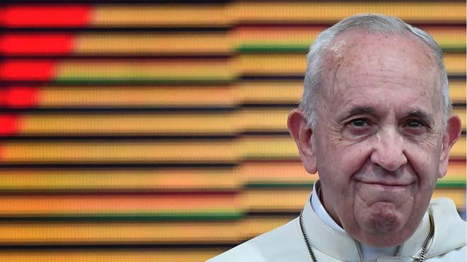 El Papa Francisco anima a los jóvenes a construir puentes en vez de muros. En la imagen, el pontífice durante la Jornada Mundial de la Juventud celebrada en Ciudad de Panamá.