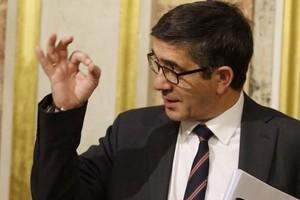 Sánchez inicia la integración en el PSOE con López y Vara