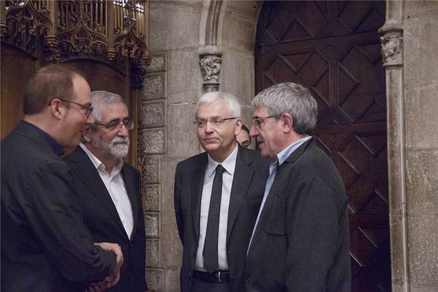 Pere Mas, Vicenç Villatoro, el 'conseller' Ferran Mascarell y Joan Ollé, el domingo en el homenaje a Joan Barril en el Ayuntamiento de Barcelona.