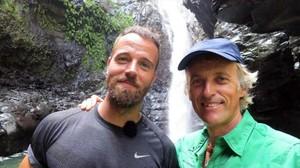 Carles Francino y Jesús Calleja, en una imagen de Planeta Calleja, en Cabo Verde.