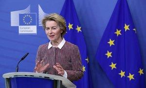 La presidenta de la Comisión Europea, Ursula von der Leyen, presenta la estrategia digital de la UE, este miércoles en Bruselas.