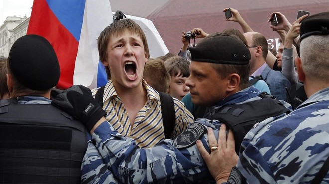 Disturbios en Moscú y San Petersburgo.