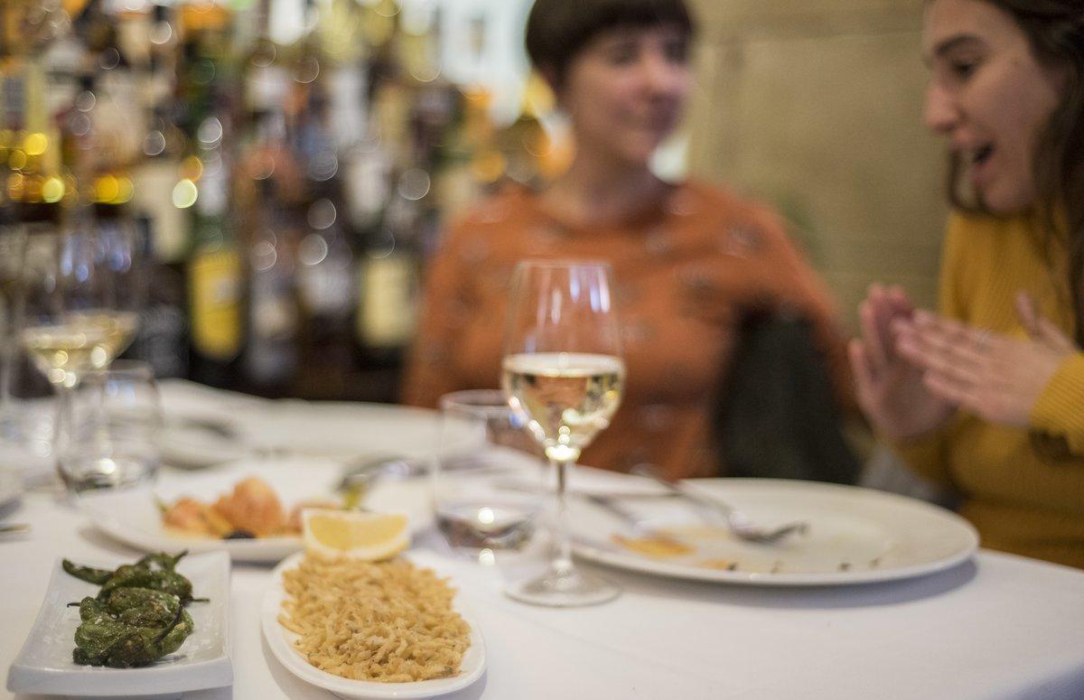 Paga ara i menja quan el restaurant torni a obrir