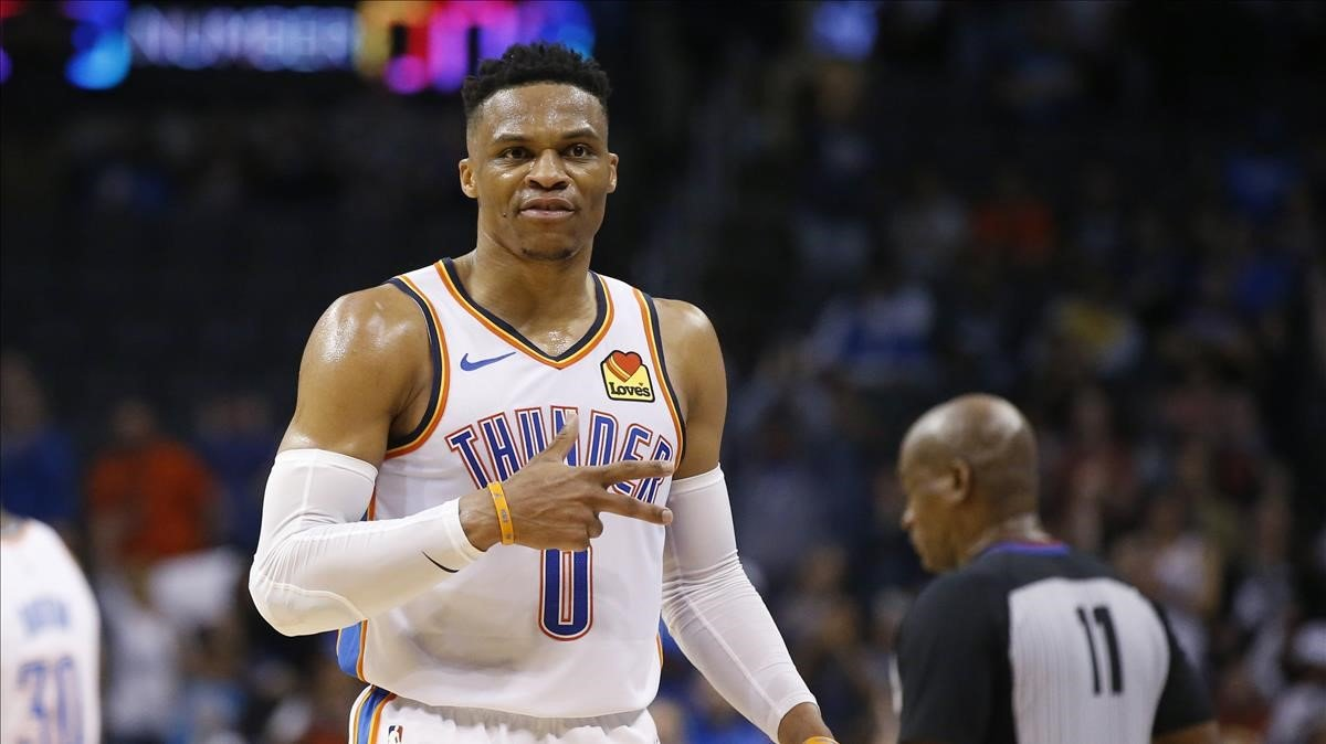 Russell Westbrook tras conseguir elsegundo doble triple-doble en la historia de la NBA.