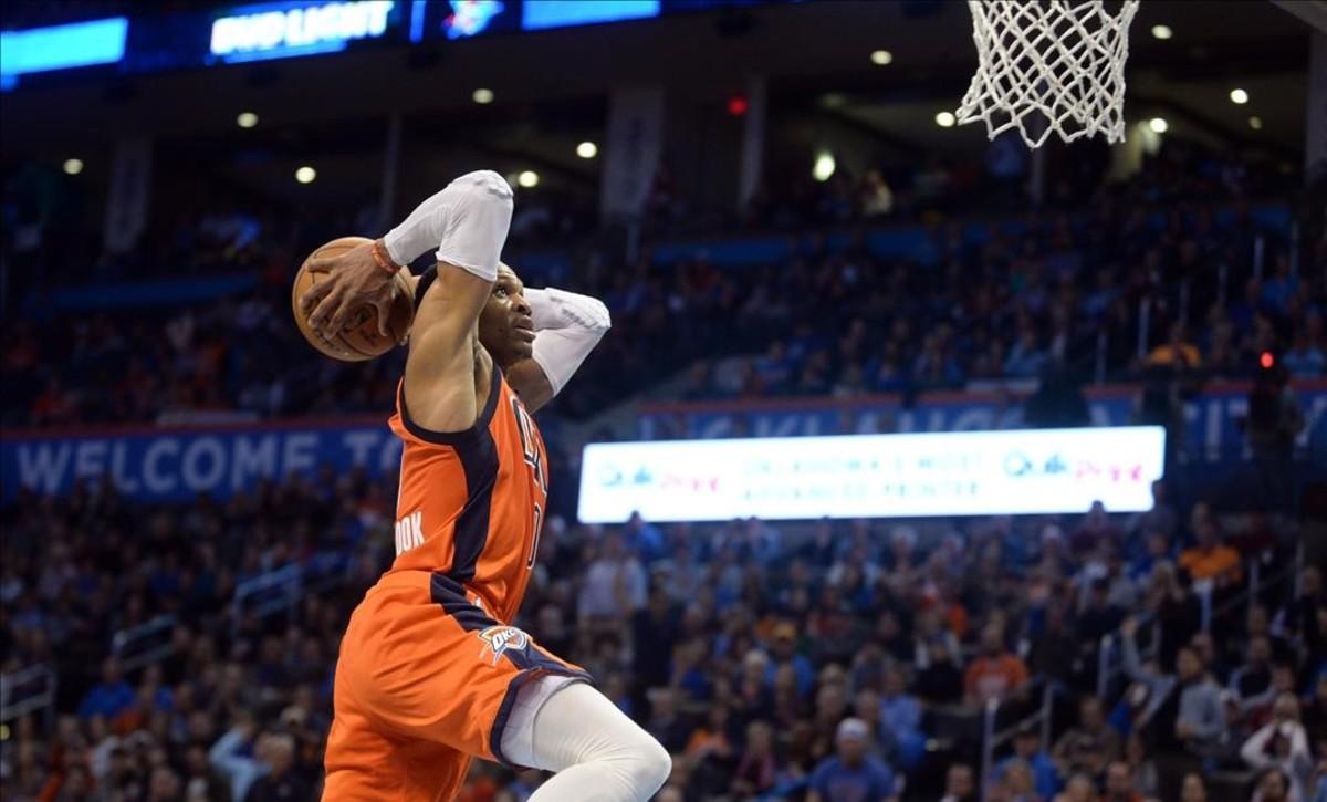 Russell Westbrook no pudo sumar su octavo triple-doble consecutivo ante los Celtics.