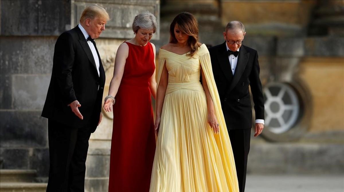 Theresa May y su marido reciben al matrimonio Trump.
